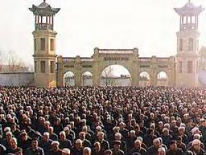 مسلمو الصين بين مطرقة الشيوعية وسندان التشيع